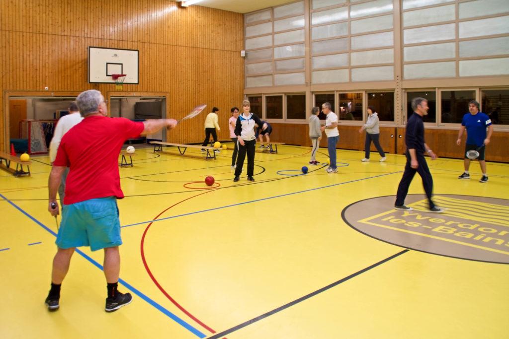 Diverses activités en salle de gym